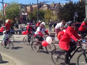 Biało-czerwony przejazd rowerowy w Gdyni