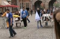 Studenci GUMEDU ścigali się również w specyficznych taksówkach