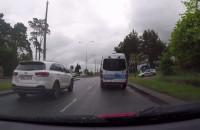 Nawet radiowóz hamuje przed policją z suszarą