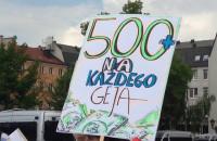 """""""500 złotych dla każdego geja"""""""