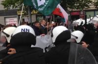 Starcie kontrmanifestantów z policjantami przy Żaku