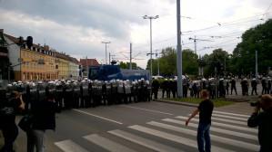 Policja atakuje Antymarsz