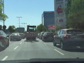 Drogowcy wylewają asfalt w Oliwie