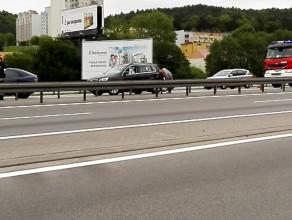Wypadek na zjeździe z obwodnicy w Chyloni