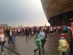 Kolejki pod stadionem przed meczem Polska-Holandia
