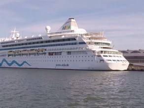 Wycieczkowiec AIDAdiva w Gdyni