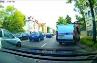Nasz czytelnik zwraca uwagę patrolowi Policji