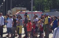 Pół godziny przed meczem Arka - Chrobry. Kolejki przed wejściem na stadion