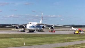 Gigantyczny samolot Rusłan w Rębiechowie