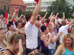 Radość po bramce Polaków w gdańskiej strefie kibica