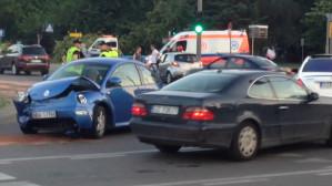 Skutki zderzenia mazdy i volkswagena na Hucisku