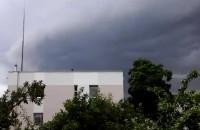 Znów  potężna  burza nadchodzi