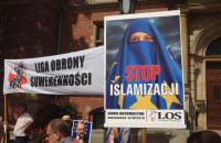 Stop islamizacji, czyli protest pod budynkiem Rady Miasta