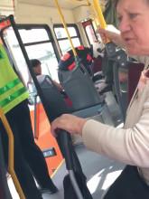 Dziewczynie zrobiło się słabo w tramwaju