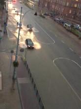 Zalana ulica Nowe Ogrody, wody przybywa