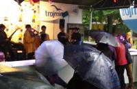 Festiwal Feta trwa w ulewnym deszczu