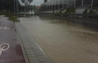 Ulica korytem rzeki