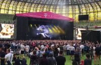 Tom Swoon rozgrzewa publiczność przed Avicii