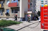 Dym i spalona kuchnia na parterze wieżowca w Gdańsku
