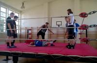 Migawka z treningu wrestlingu podczas letniego obozu w Gdyni