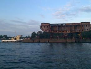 Transport kadłubu statku - Port Gdańsk