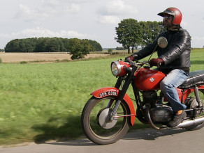 Kolekcjoner starych motocykli