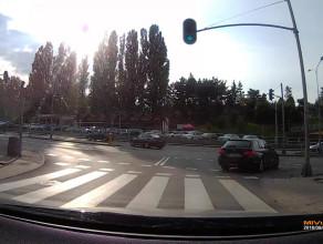 Kierowców BMW nie obowiązują czerwone światła