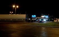 Transport ponadgabarytowy blokuje ruch w...