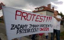 Trwa protest przeciw budowie Drogi...