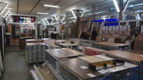 IKA-KOLOR - Podłogi, drzwi, tapety, sztukateria, wykładziny