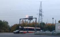 Zderzenie autobusu z osobówką na Jabłoniowej