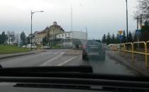 Korek w Kosakowie do Gdyni, rusza się w...