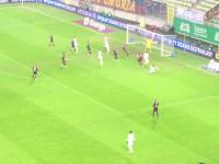Milos Krasić blisko gola w  meczu Lechia - Pogoń