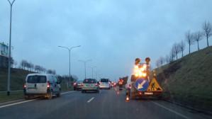 Uwaga zwężenie na WZ, prace przy nasypie między Jasieniem a Łostowicką w stronę centrum