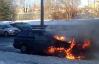 Płonie samochód w Gdyni na Buraczanej