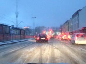 Białe ulice w centrum Gdańska