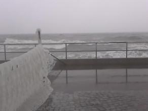 Uszkodzony bulwar na Westerplatte