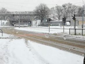 Pługi jeżdżą po Gdańsku na ul. Reja
