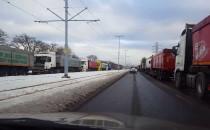 Ciężarówki blokują ul. Marynarki Polskiej...