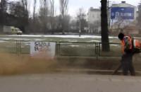 Czyszczenie zwrotnic na pętli w Oliwie