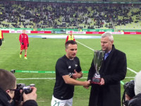 Sławomir Peszko odbiera puchar dla Ligowca Roku 2016