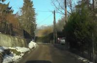 Wąska i kręta ulica Pagórkowa okiem kierowcy