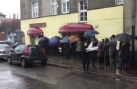 Nawet godzinę trzeba stać w kolejce po pączki w centrum Gdańska