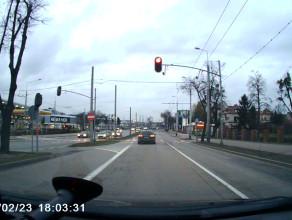 Rozpędzony przejechał na czerwonym świetle w Orłowie
