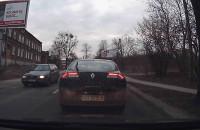 Dziwne zachowanie kierowcy na ul. Małomiejskiej