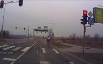 Rowerzystów czerwone światło nie obowiązuje?
