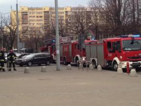 3 wozy strażackie pod szpitalem w Gdyni