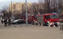 3 wozy strażackie  pod szpitalem w centrum...