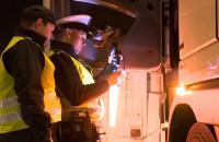 Nocna kontrola tirów na autostradzie A1