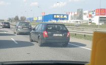 Dalej korki, kierowcy stoją kilometr przed...